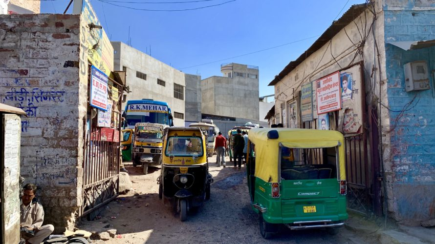 【DAY59・インド】ジョードプルからジャイサルメールへバス移動