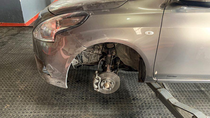 【DAY225・ナミビア】車が事故・破損!どうなるレンタカー旅!?