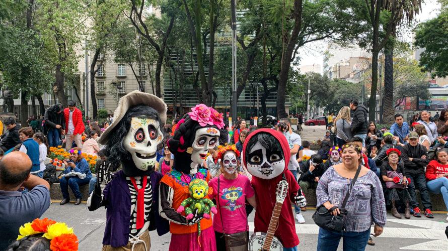 【DAY311・メキシコ】テオティワカン遺跡へ🌞死者の日メイクでメキシコシティの街を練り歩く!!