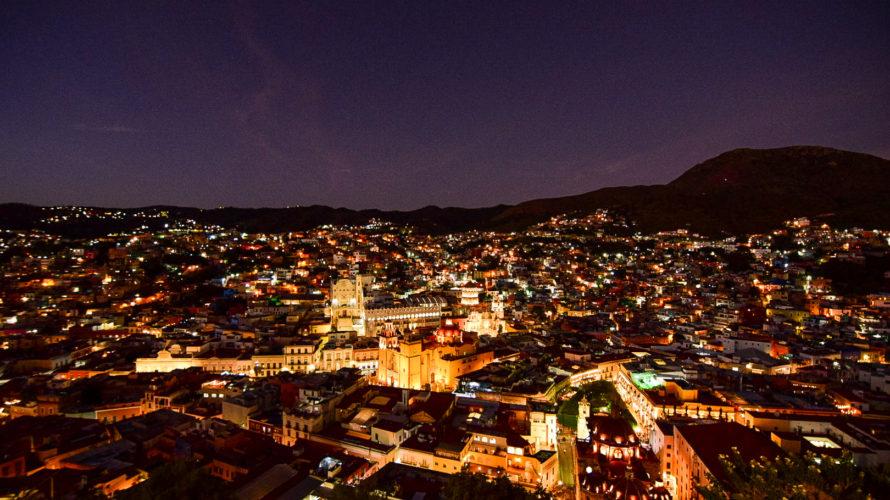 【DAY325・メキシコ】ピピラの丘で昼と夜のグアナファト街を鑑賞🏘